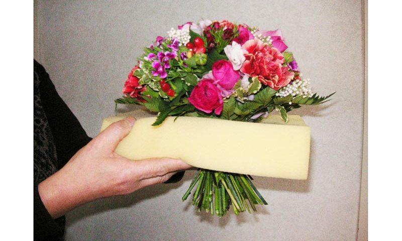 花束の持ち帰り方