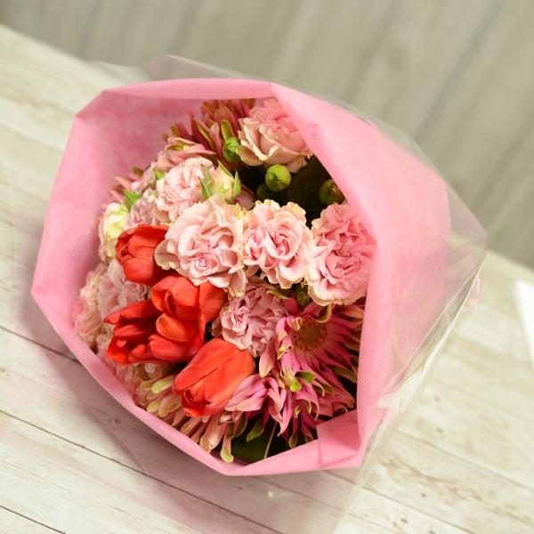 チューリップとバラの花束