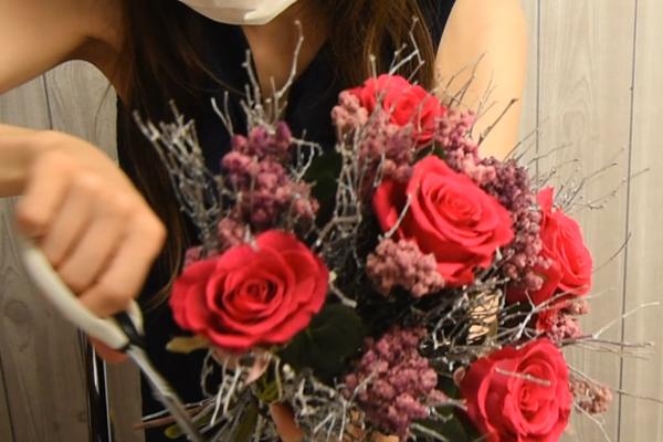 花束を括る
