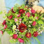 【ほぐれた花束】赤い小花×グリーン